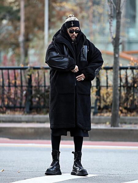 La Hoodie Negra La Prenda Clave Del Street Style De La Semana 06