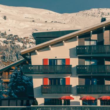 Experimental Chalet: un acogedor y cálido refugio de montaña en el corazón de los alpes suizos
