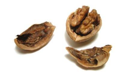 Un puñado de nueces a diario ayuda a reducir la barriga