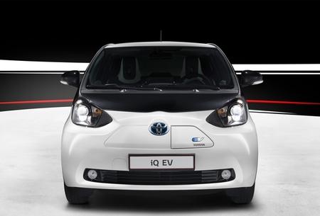 Toyota iQ EV 01