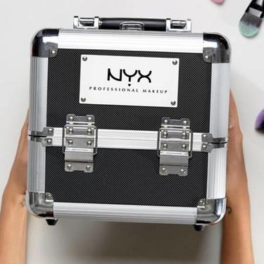 El maletín de maquillaje de tamaño sensato de NYX (y otros 3) que nos encantaría encontrar este año bajo el árbol de Navidad