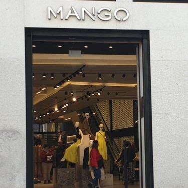 Mango apuesta por la tecnología impulsando el ticket digital e implantando el stock integrado en sus tiendas