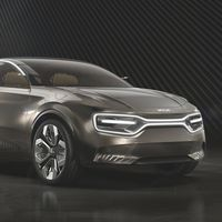 KIA va en serio con los eléctricos, en 2021 presentarán un súper crossover que cargará 500 km de autonomía en 20 minutos
