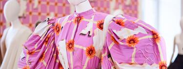 Absolutamente maravillosa: Loewe apuesta por el volumen en su versión más sofisticada en la colección Primavera-Verano 2021