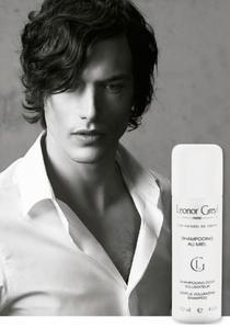 Champú de miel para hombre de Leonor Greyl, para aportar cuerpo y volumen al cabello fino