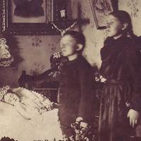 Memento mori: la tenebrosa tradición de fotografiar a los muertos como si aún estuvieran vivos