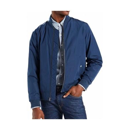 Ofertón en Amazon:  chaqueta de estilo bomber Levi's Thermore por sólo 60,99 euros con envío gratis