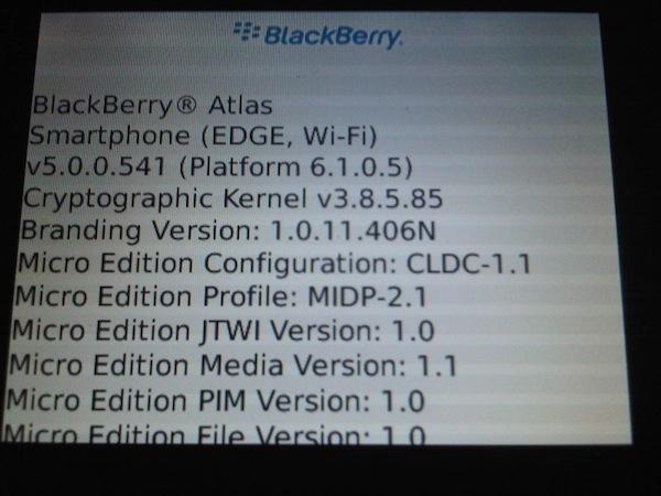 Foto de BlackBerry 9670 y Atlas, nuevas imágenes filtradas (2/4)