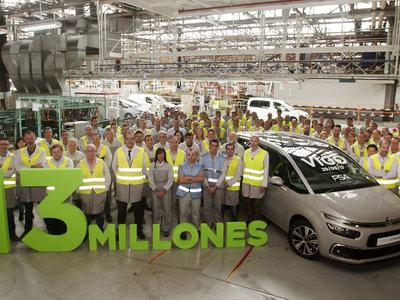 ¡De Vigo a Japón! Ayer salió el vehículo 13 millones de la planta de PSA en Vigo
