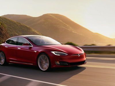 En Finlandia y California están batiendo récords de kilometraje con el Tesla Model S: hasta 482.000 kilómetros