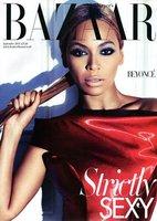 Beyoncé y el look azul en la portada de Harper's Bazaar