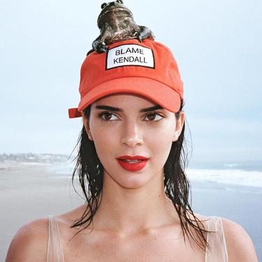 Kendall Jenner se apunta al look Rosalía con unas cejas a todo color