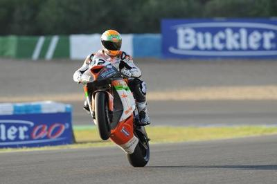 Carreras de locos en el CEV de Jerez, con el título de Supersport para Coghlan