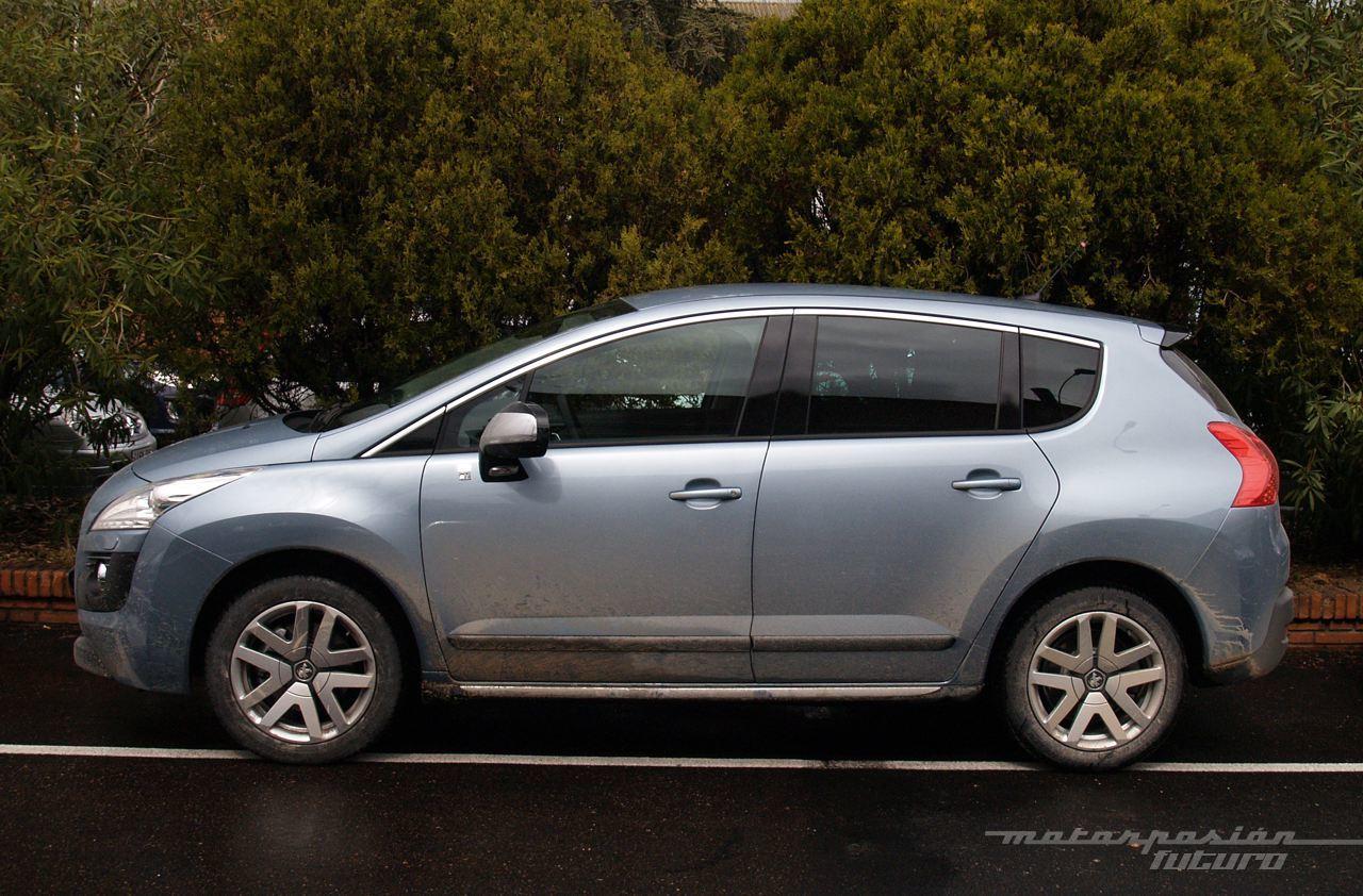 Foto de Peugeot 3008 HYbrid4 (presentación) (3/20)