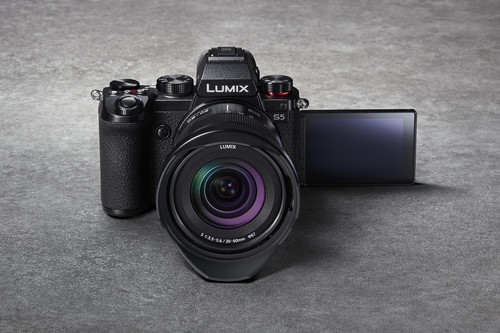Panasonic Lumix S5, nueva sin espejo full frame de tamaño compacto y concepción híbrida para usuarios avanzados