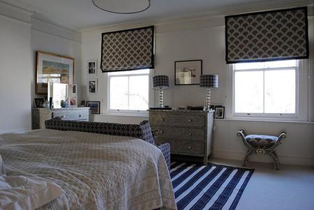 Dormitorio sobrio en tonos azules
