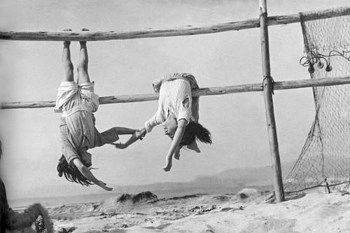 Un vídeo esencial para conocer la figura de uno de los mejores fotógrafos chilenos de la historia: Sergio Larraín