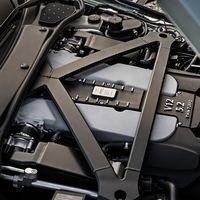 Aston Martin está barajando electrificar sus motores V12 para hacerlos menos contaminantes