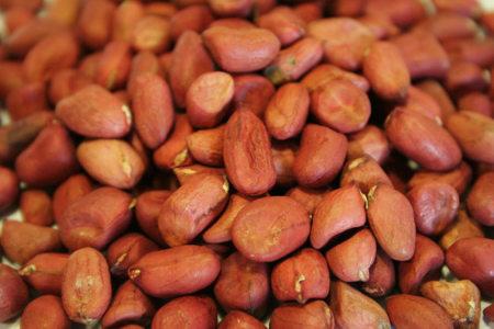 Consume los cacahuetes con piel y obtendrás más antioxidantes