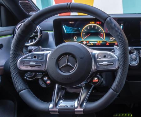 Mercedes-AMG A45 S volante