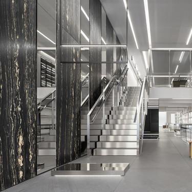 Abre en la calle José Ortega y Gasset de Madrid la nueva boutique de Celine, diseñada por Hedi Slimane