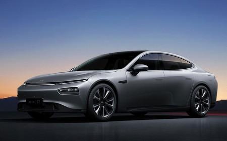 Xpeng, uno de los principales rivales chinos de Tesla, ha recibido un espaldarazo de 1.500 millones, precisamente, en EE. UU.