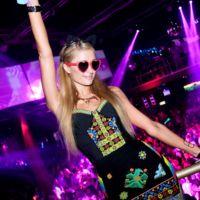 Paris Hilton, la chica más étnica en las noches de Ibiza