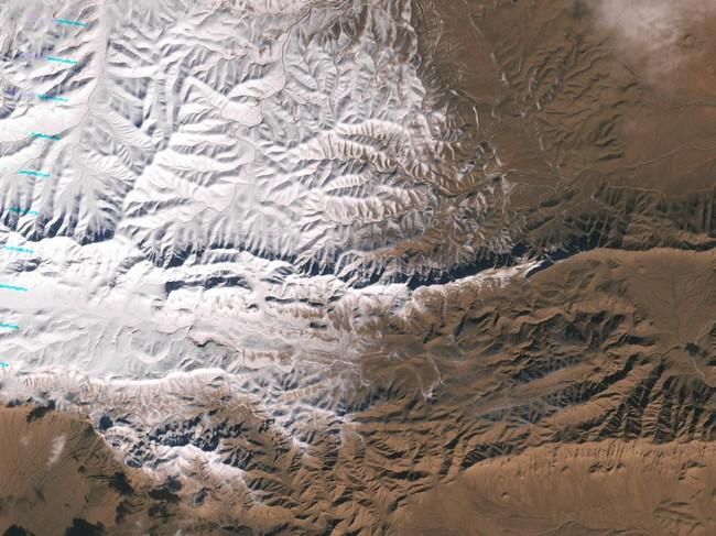 Las impresionantes imágenes de la nevada en el Desierto del Sahara, un fenómeno que no ocurría hace 37 años