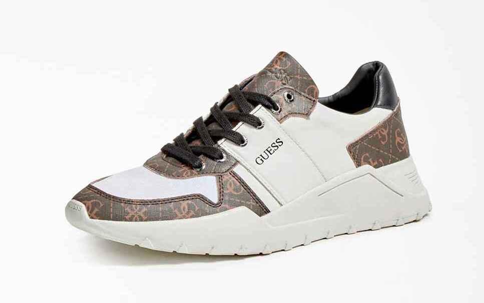Zapatillas deportivas de hombre Guess de color blanco con estampado de logo