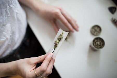 La marihuana consumida en el embarazo permanece durante seis semanas en la leche materna tras el parto