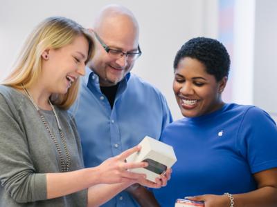 Apple extiende sus pruebas internas de Apple Pay Cash a los empleados de sus tiendas