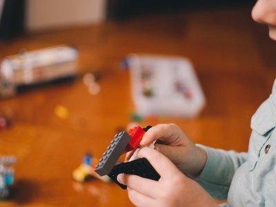 El desafío de simplificar la vida de los niños para hacerlos más tranquilos y felices