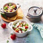 Para servir un plato, o para compartir: los nuevos sets de cerámica de Staub son ideales para tus mesas de verano