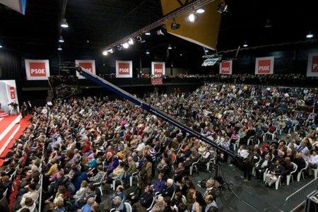 Expectación ante la posición final de una minoría socialista favorable al referéndum constitucional (hasta hoy)