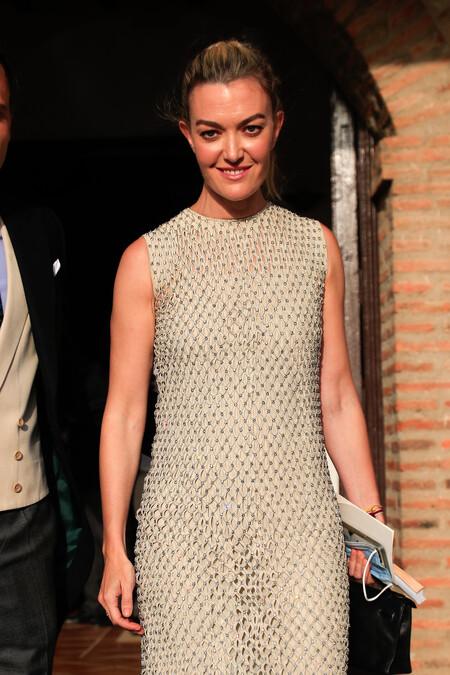 En rosa fucsia, plata o azul noche: cinco looks de invitada de Marta Ortega perfectos para esta temporada