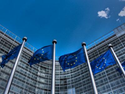 Es oficial: la UE acusa a Google de abuso de posición dominante con Android y amenaza con multas millonarias