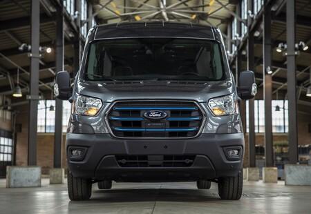 Ford E Transit 2022 02