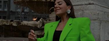 Este es el blazer de color verde lima (neón) de Attico que triunfa en Instagram