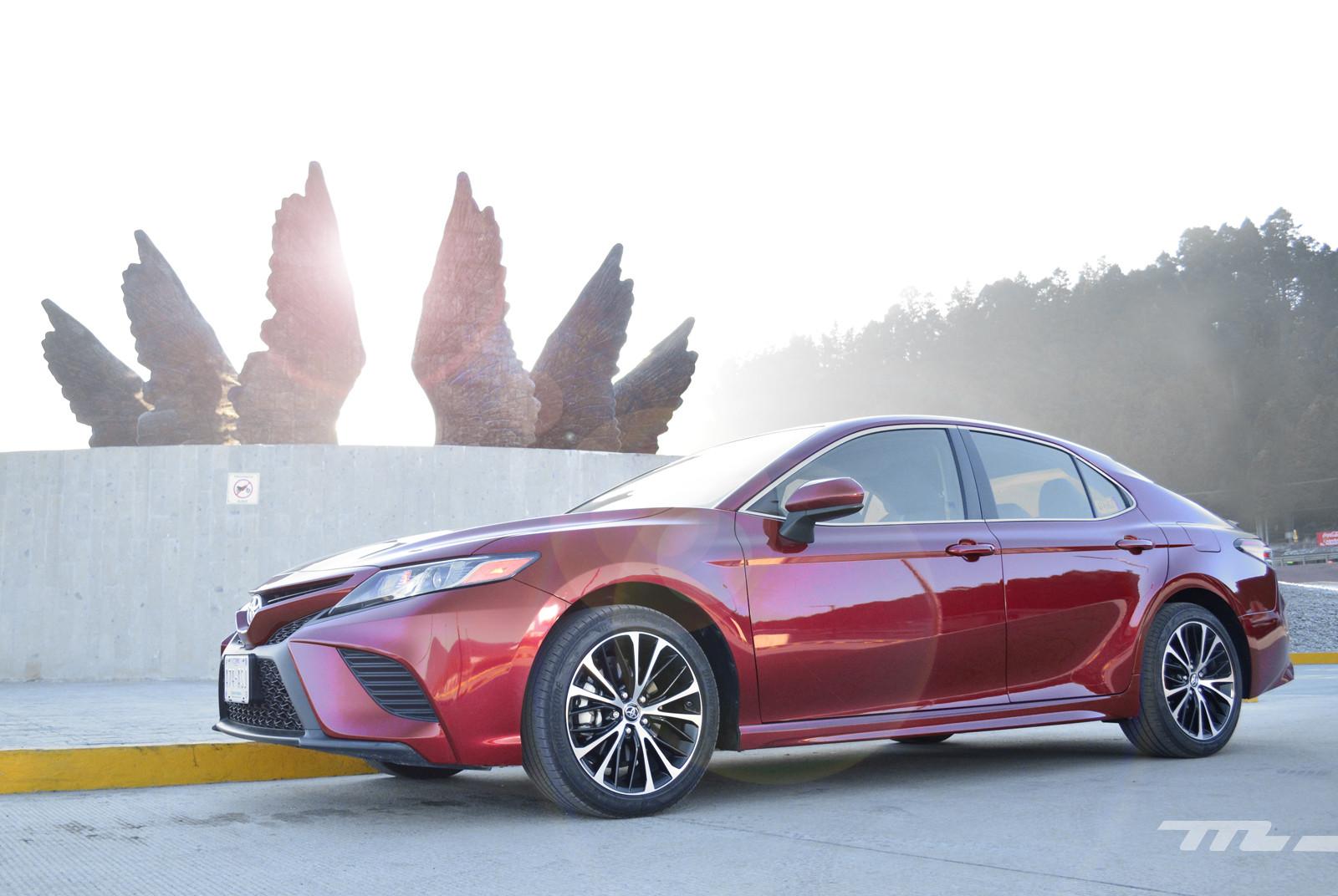 Toyota Camry (prueba)