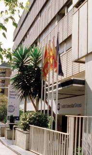 El Instituto Dexeus limita la edad a 50 años en los tratamientos de fecundación in vitro