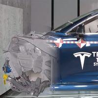 Tesla ofrece por primera vez, y en vídeo, una mirada a su laboratorio donde destroza sus coches eléctricos en pro de la seguridad