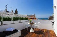 Puertas abiertas: un pequeño estudio con una maravillosa terraza en Sitges
