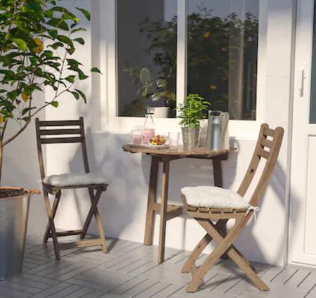 Conjunto de mesa y sillas para terraza pequeña