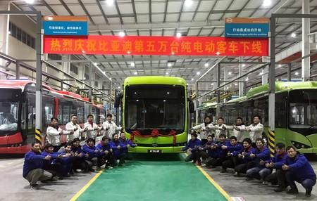 China reventará el mercado de los autobuses eléctricos en 2025 y arrinconará a Europa y EEUU, según un informe