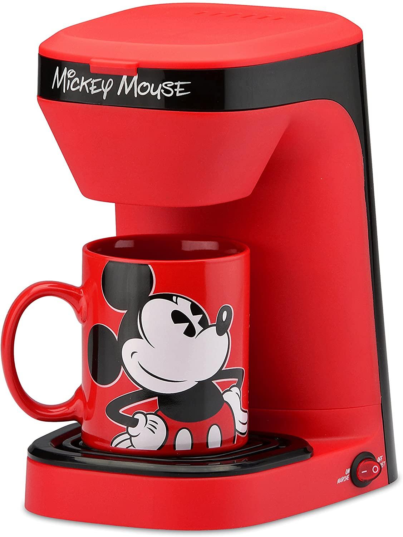 Cafetera y taza de Mickey Mouse