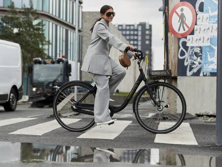 Cinco formas de combinar los trajes holgados con zapatos para crear un look 'trendy' de aires masculinos