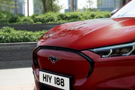 Autonomía y potencia en un coche 100% eléctrico: así se convierte el icónico Mustang en símbolo de la movilidad del futuro