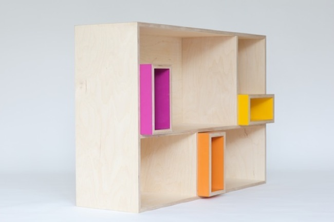 Muebles cl sicos en madera natural y colores alegres para for Muebles de ninos