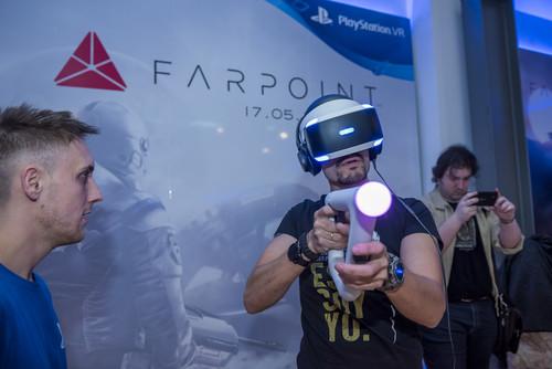 He jugado a 'Fairpoint' con el mando-pistola PS VR Aim Controller y mejora mucho la realidad virtual de Sony