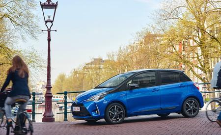 Cómo afectan las fases de arranque y aceleración en los picos de consumo de un coche